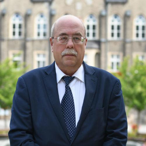 Adwokat Wiesław Czwakiel